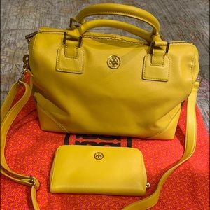 Tory Burch Boston with matching wallet